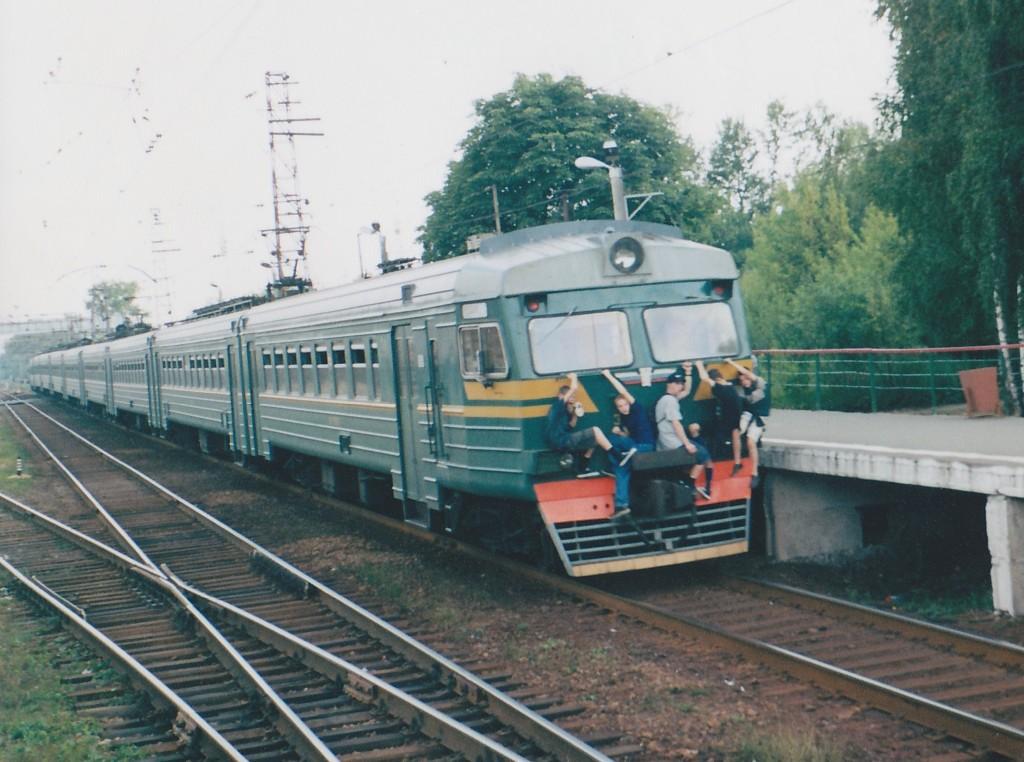 Бігти попереду поїзда